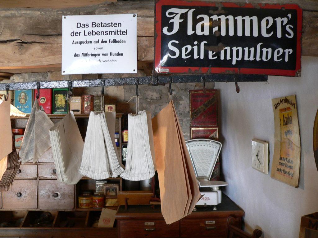 Verpflichtend im Krämerladen: höchste Sauberkeit! | Foto: B. Schneider