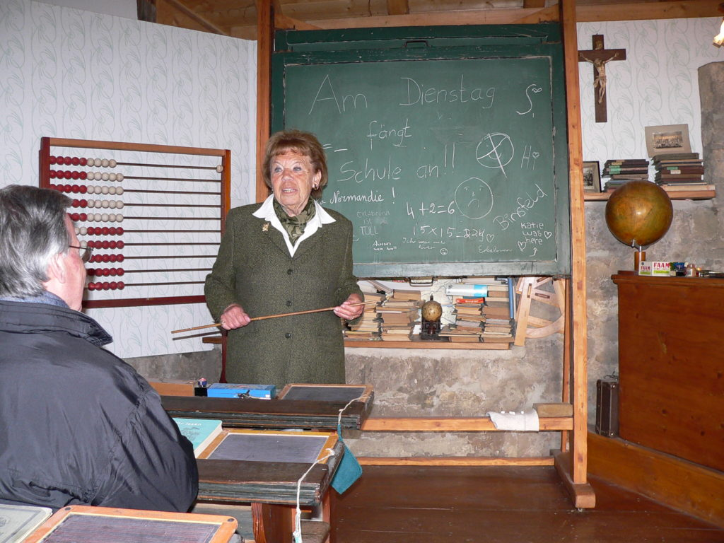 Dorfschule für bis zu 60 Kinder in einem Raum. | Foto: B. Schneider