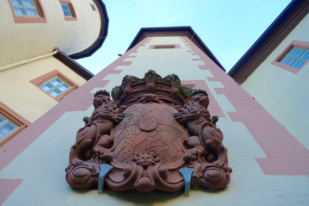 Treppenturm mit fürstbischöflichem Wappen | Foto: B. Schneider