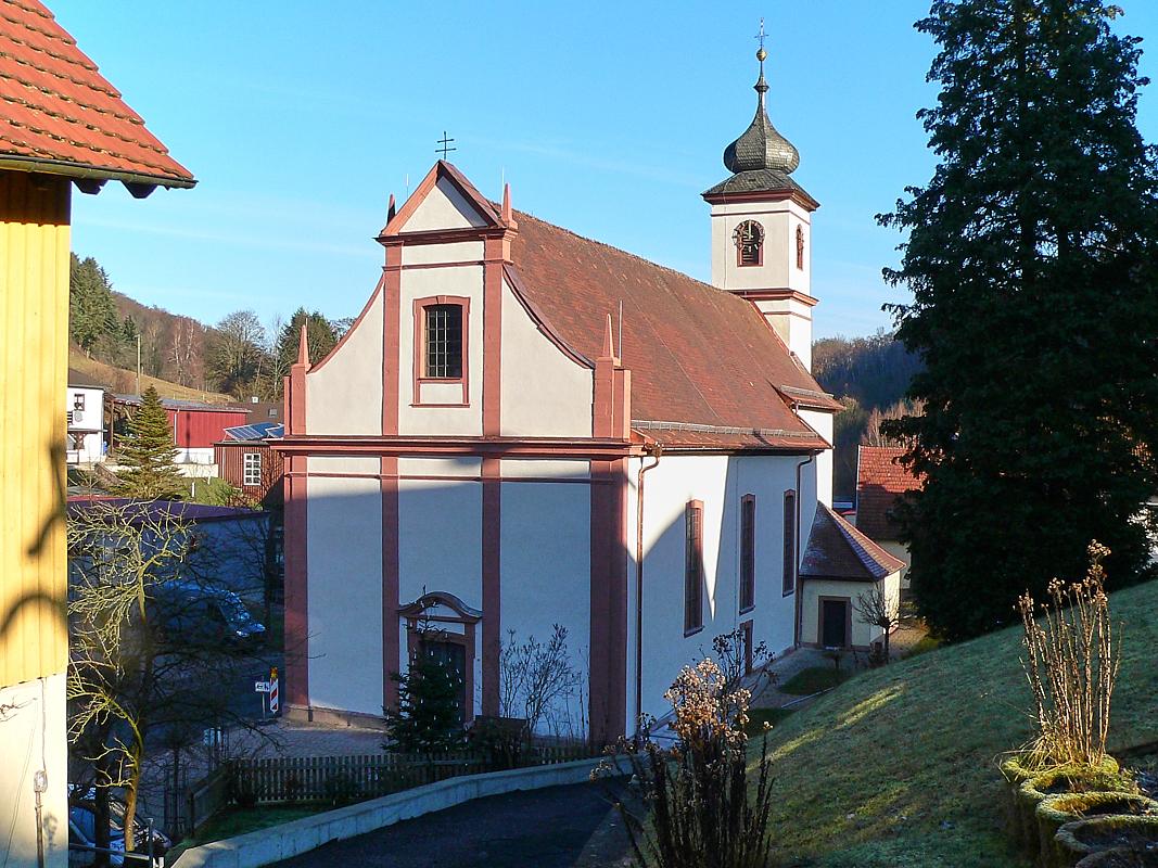 Frisch renovierte Wallfahrtskirche von Rengersbrunn. Das Gotteshaus wurde 1777 errichtet. | Foto: B. Schneider