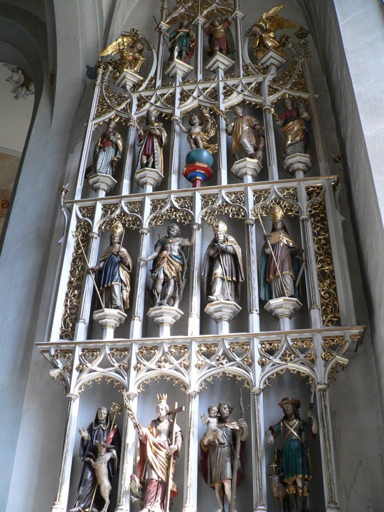 Ganz anders als in der berühmten Basilika von Vierzehnheiligen schaut der Nothelferaltar in Maria Sondheim aus – aber auch besonders. | Foto: B. Schneider