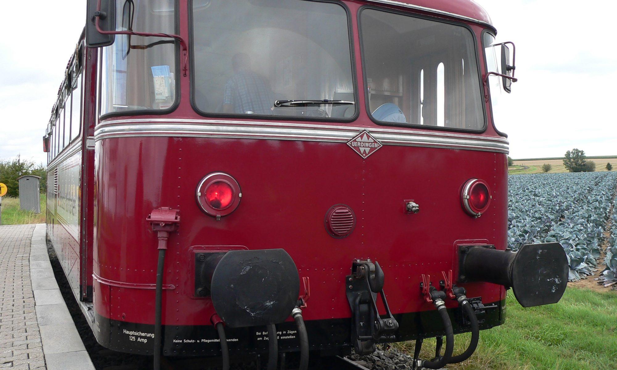 Schienenbus VT 796 702, Baujahr 1960, der Mainschleifenbahn. | Foto: B. Schneider