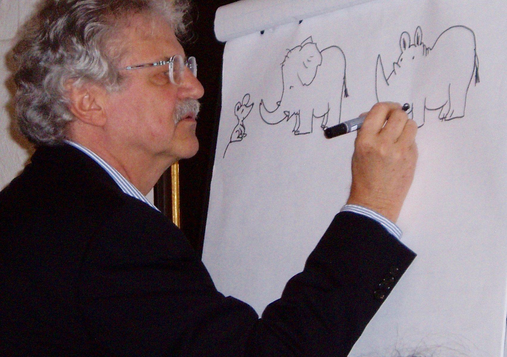 Paul Maar zeichnet Tiere. | Foto: B. Schneider