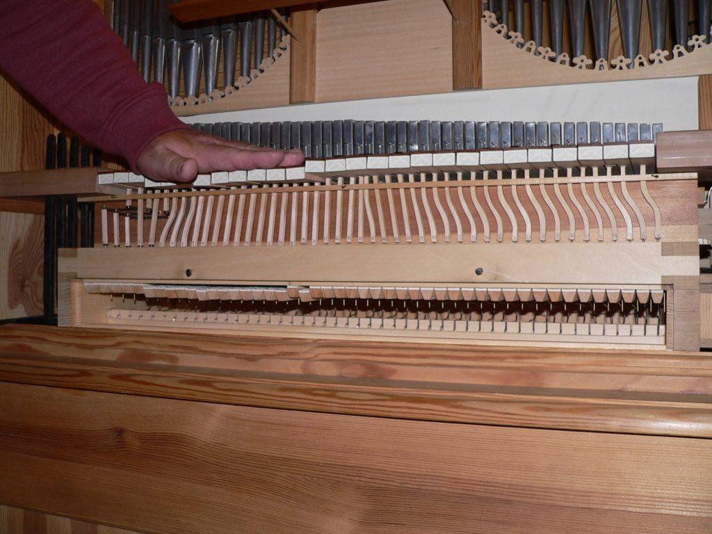 ... und Bruder Christoph Schindler hat die Manderscheidt-Orgel als Meisterstück originalgetreu nachgebaut, jedoch nicht farbig gefasst. | Foto: B. Schneider