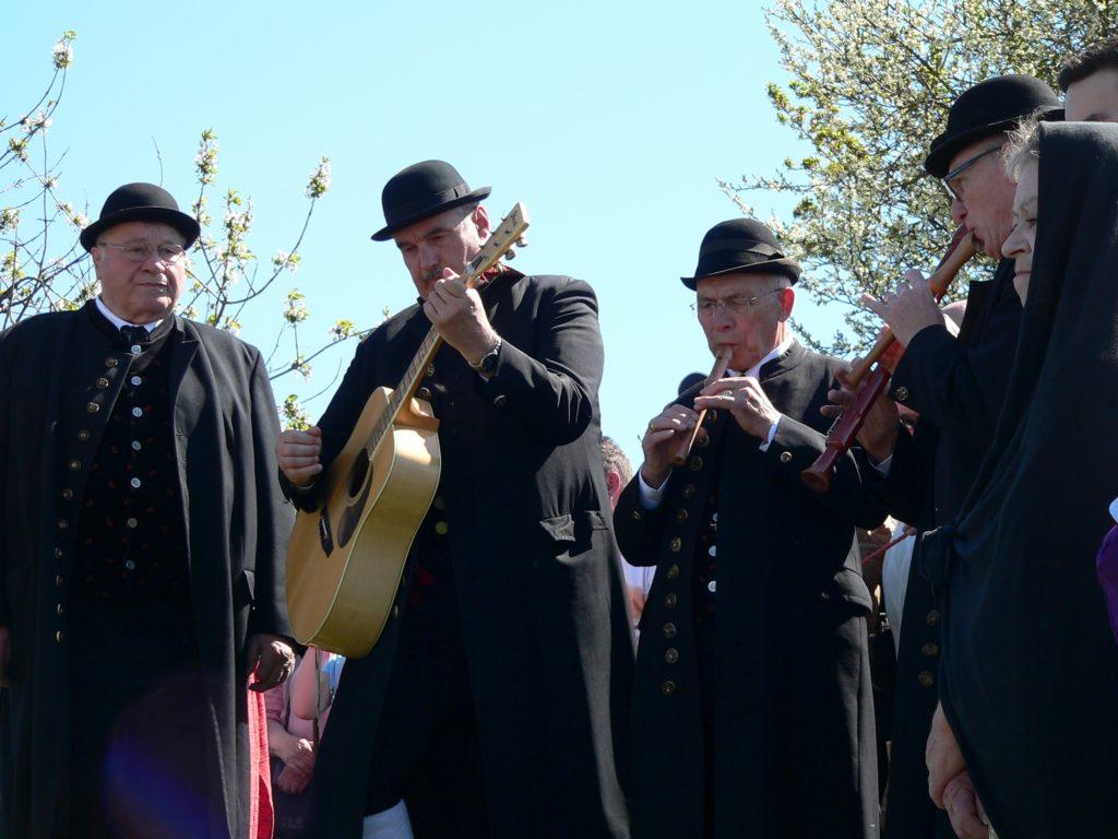 """Das Geschehen der """"ganz' Passion"""" wird musikalisch begleitet von den Bad Windsheimer Sängern und Spielleut'."""