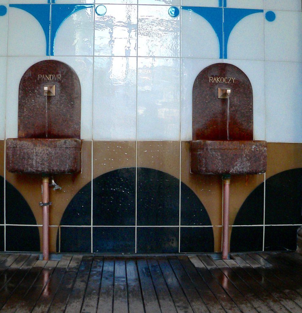 Die berühmtesten Kissinger Wässer sind die aus der 1737 erschlossenen Rakoczy-Quelle und aus dem seit 1616 bekannten Pandur-Brunnen. | Foto: B. Schneider