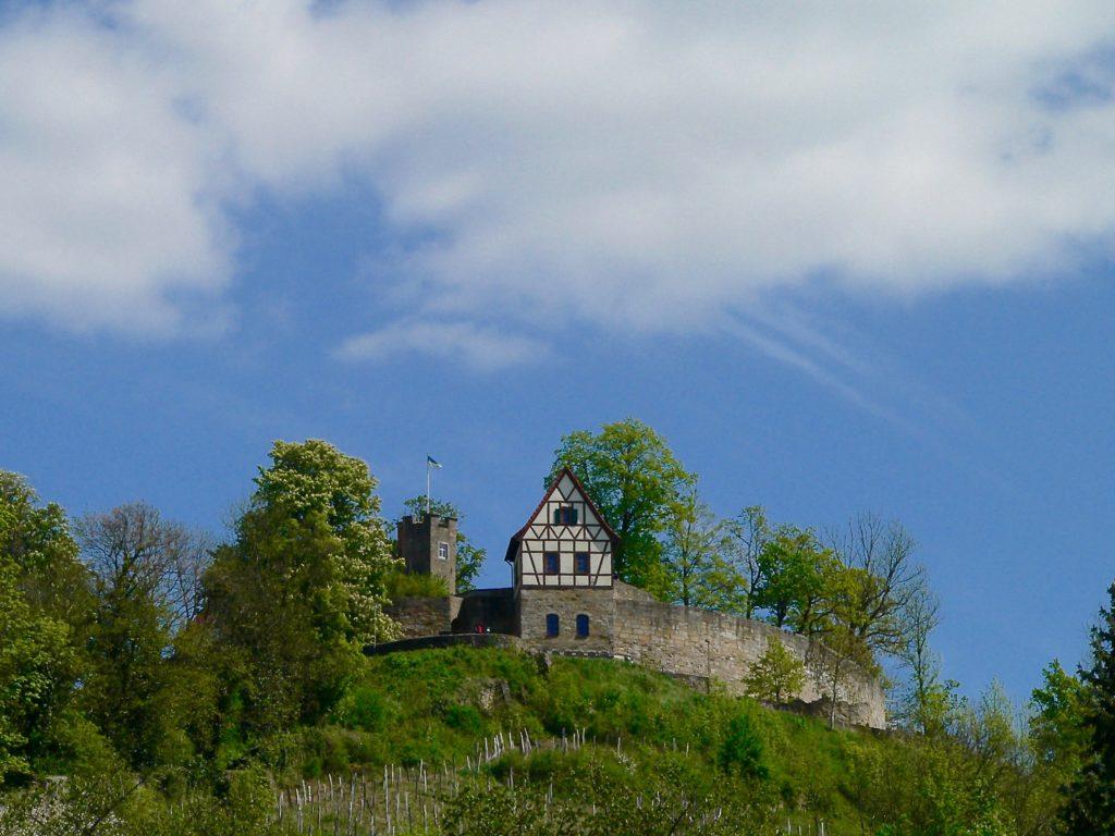 1168 soll der Staufer Friedrich Barbarossa auf dem Königsberger Schlossberg schon eine Burg errichtet haben. | Foto: B. Schneider