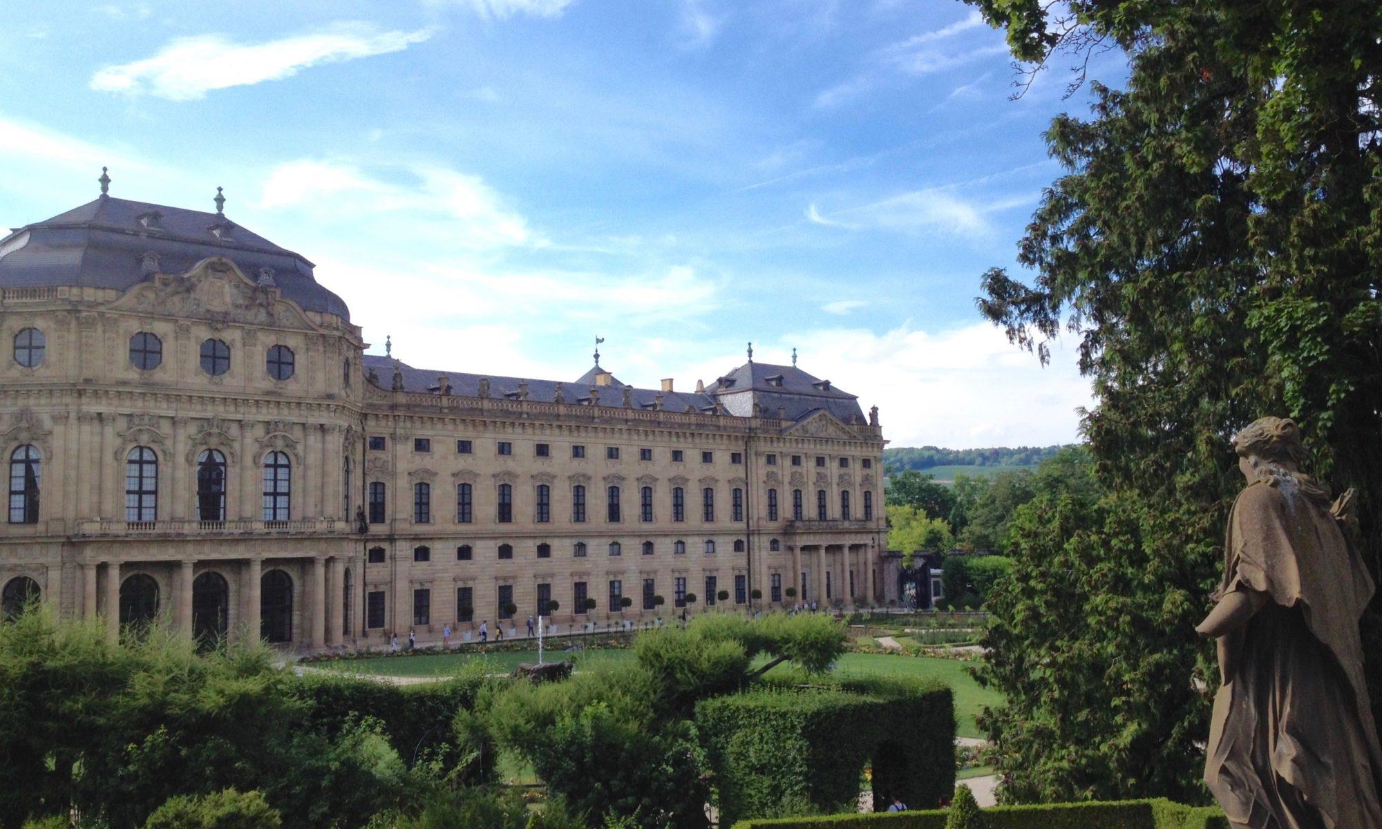 Würzburger Residenz mit Hofgarten. | Foto: B. Schneider
