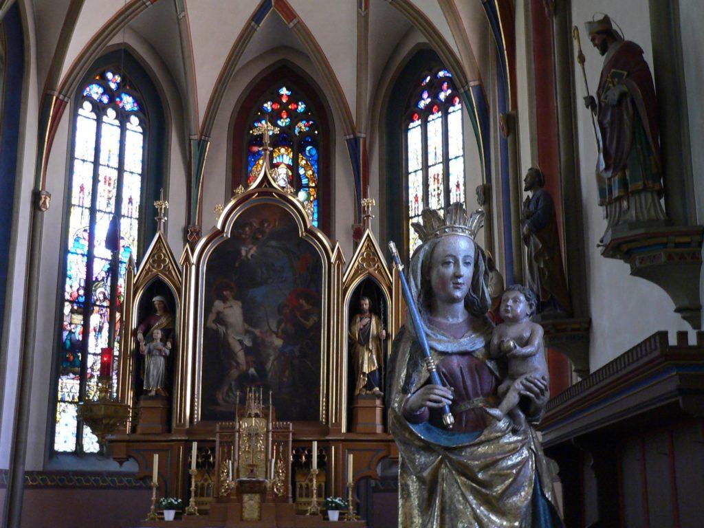 Die Muttergottes in der Pfarrkirche St. Sebastian, einst eine Hausfigur, stammt aus der Riemenschneider-Schule. | Foto: B. Schneider