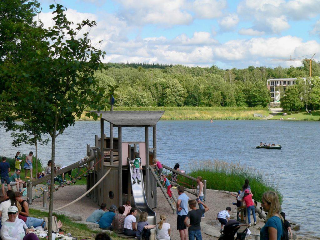 Besonders beliebt bei den Familien: der Wassererlebnisspielplatz.