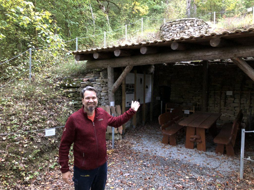 Harald Gangl leitet seit dem Sommer 2020 zusammen mit Felizitas Sattel den Himmelstadter Arbeitskreis Tourismus. Dieser hat von 2014 bis 2016 den historischen Kalkofen orginalgetreu hergerichtet. | Foto: B. Schneider
