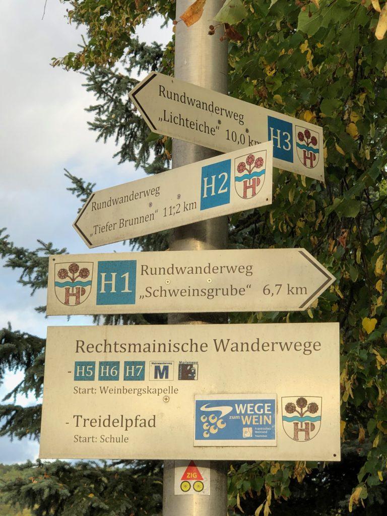 Eine große Auswahl von teilweise zertifizierten Wanderwegen führen durch und um Himmelstadt herum. | Foto: B. Schneider