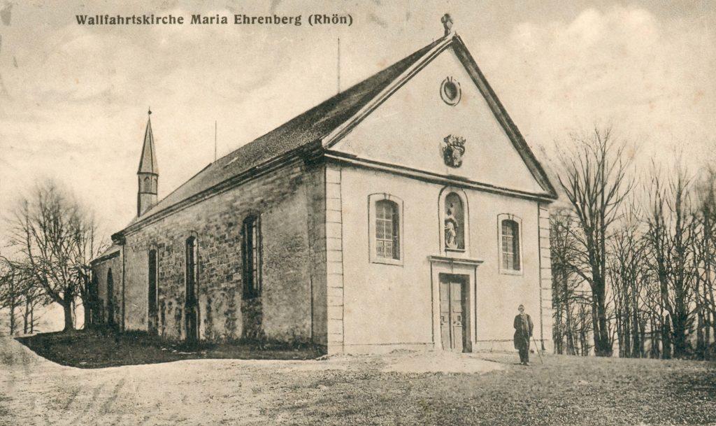 Wie 1731 das Langhaus unter dem fuldischen Fürstbischof Adolf von Dalberg fertiggestellt worden war, so präsentierte sich bis 1958 die Wallfahrtskirche. | Postkarte: Sammlung Alfred Saam (Burkardroth)