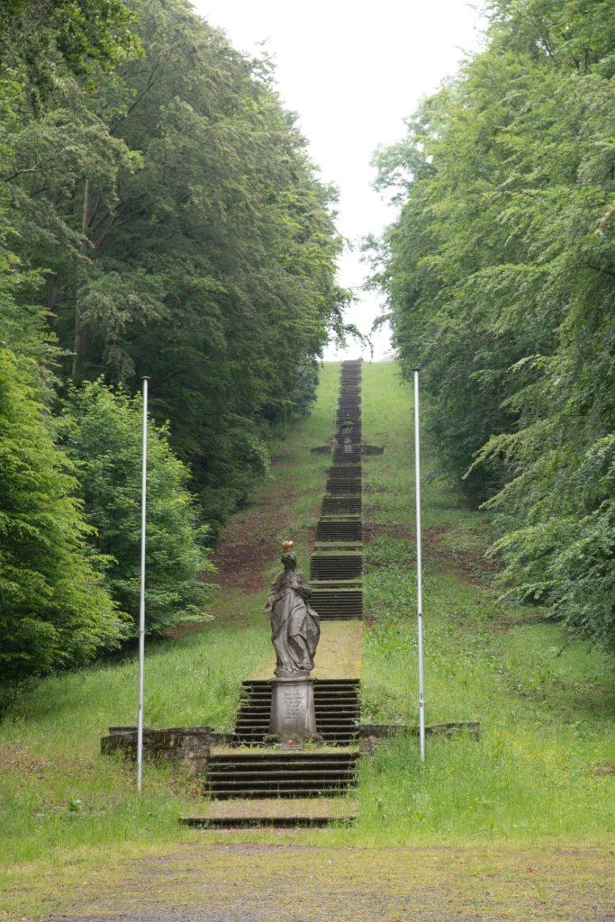 Wie eine Himmelsleiter: 254 Stufen führen hinauf zur Gottesmutter. | Archivfoto: Ingo Queck (Bad Brückenau)